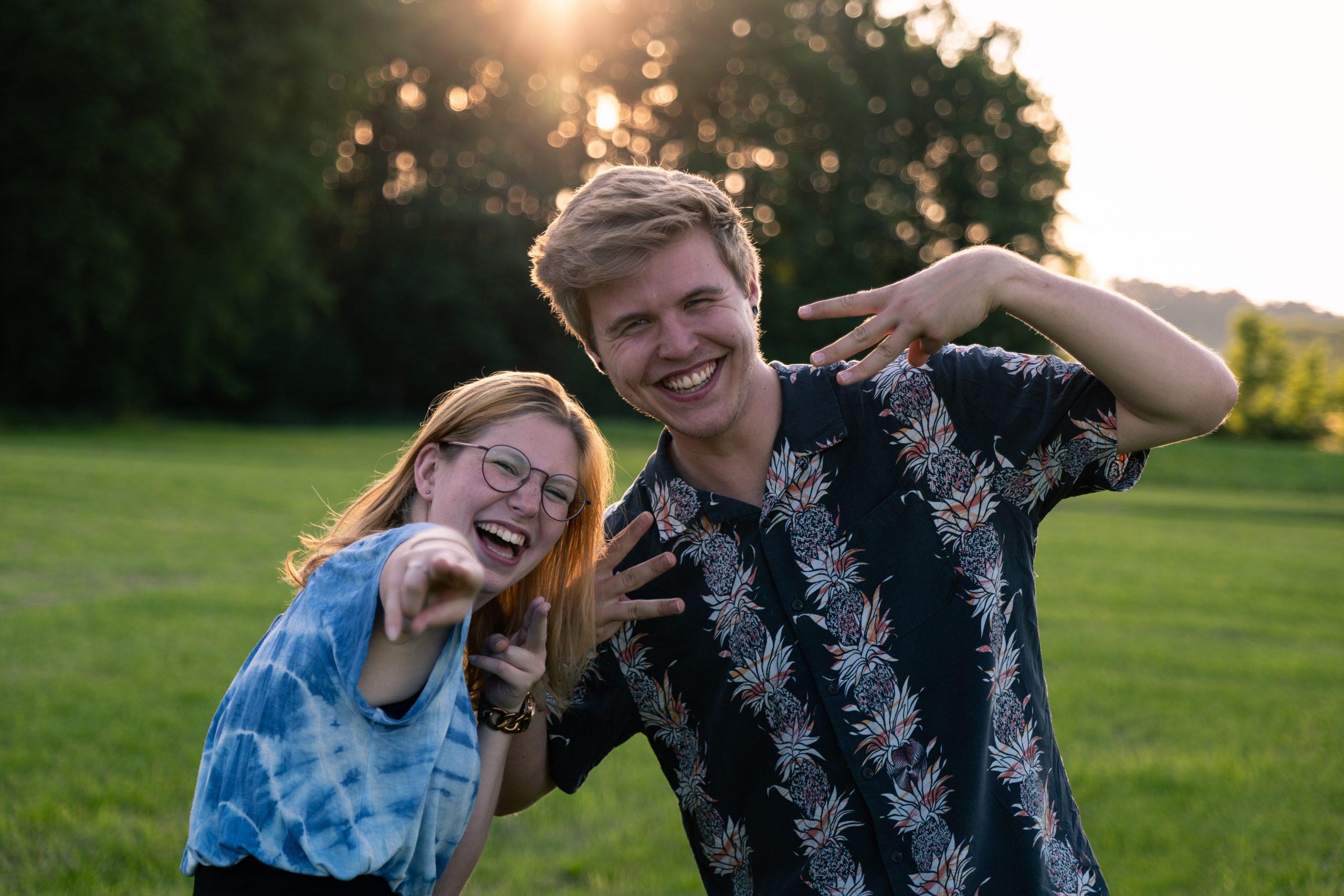 Sarah, Max - Moderatorinnen